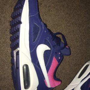 Nike Shoes - Nike air maxes